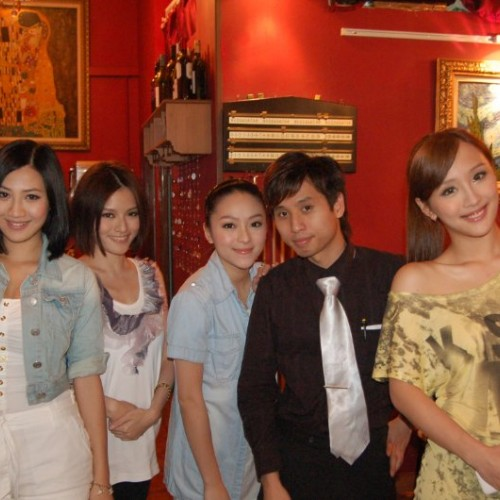 2010/06/04 Da Da(百果園E神), Ivy(理大校花), Liz(翻版大S), Annabella(翻版汪圓圓) visited Van Gogh Kitchen